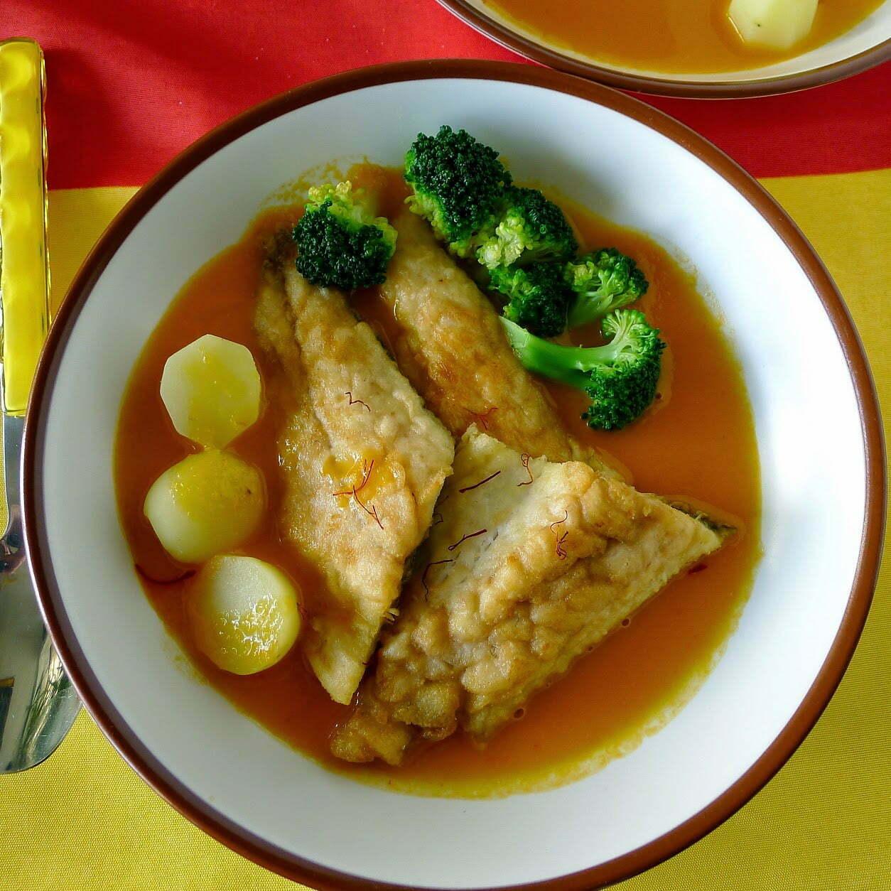 Spanish fish in saffron sauce pescado en amarillo the for Fish in spanish